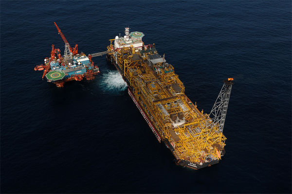 Oil and Gas offshore / FLNG